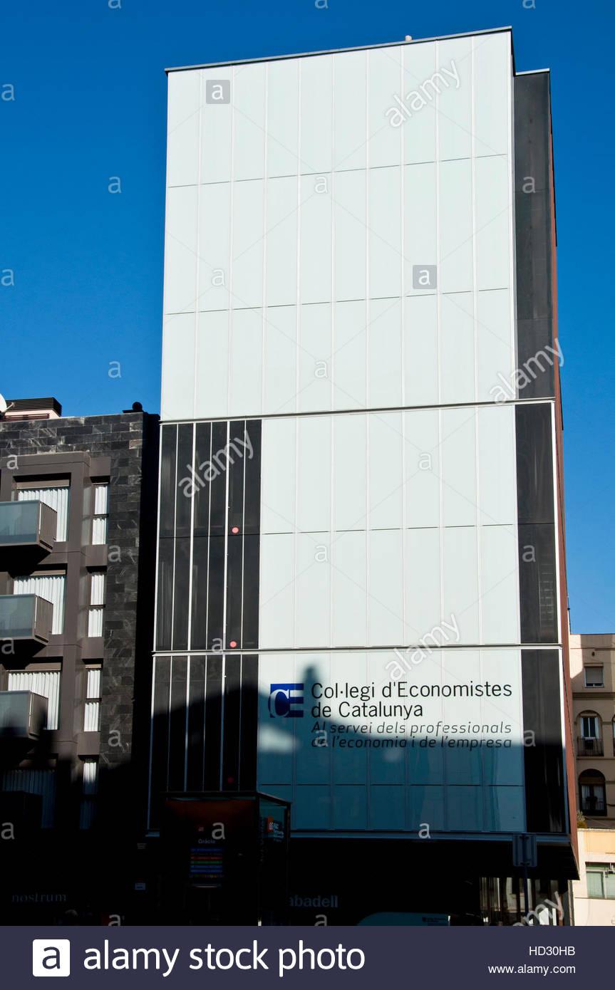 c9e93cc9859 Edificio de la Asociación de Economistas