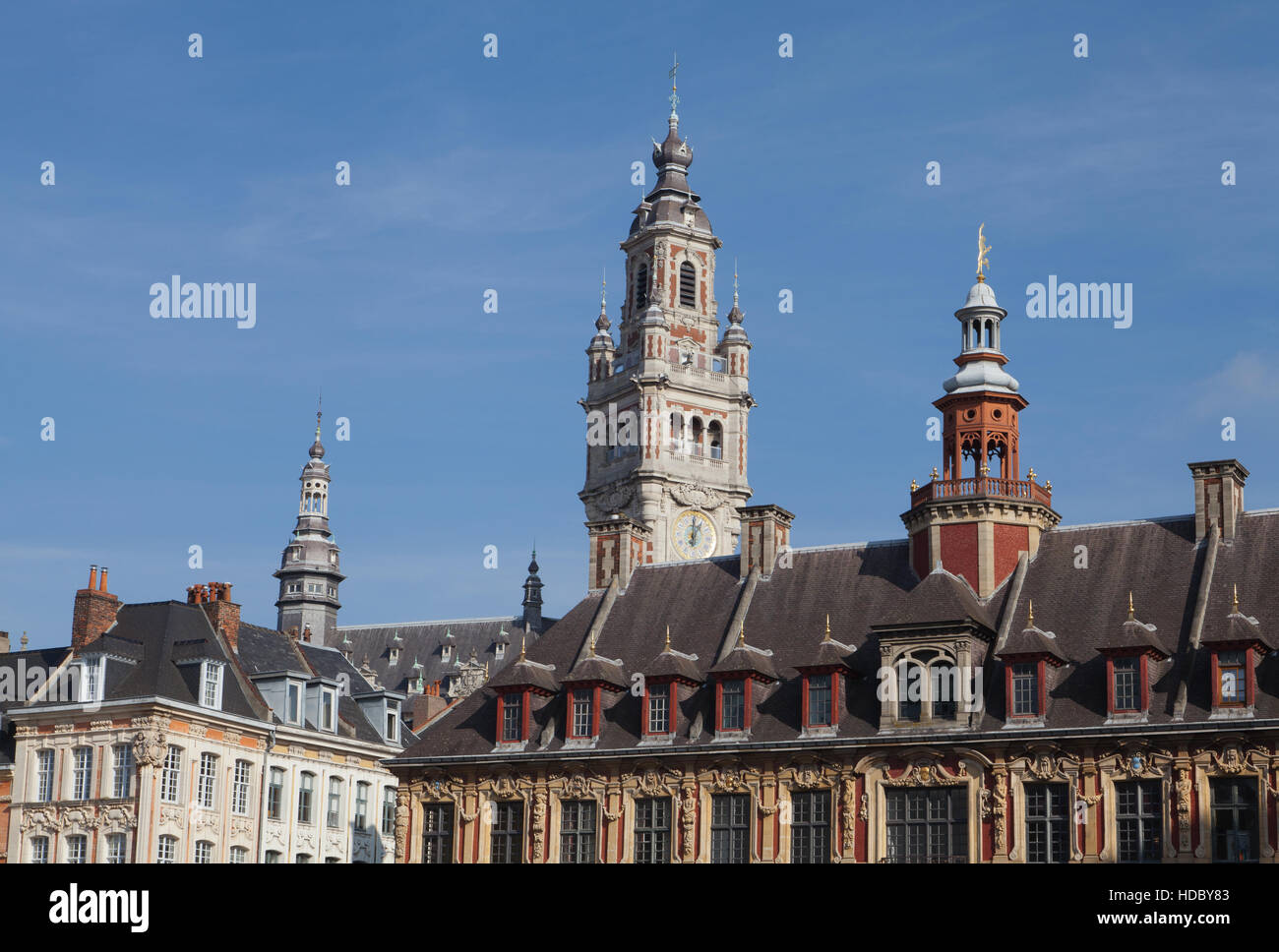 """La """"Vieille Bourse' en la Grand' Place, el centro de la ciudad de Lille. En el norte de Francia. Imagen De Stock"""