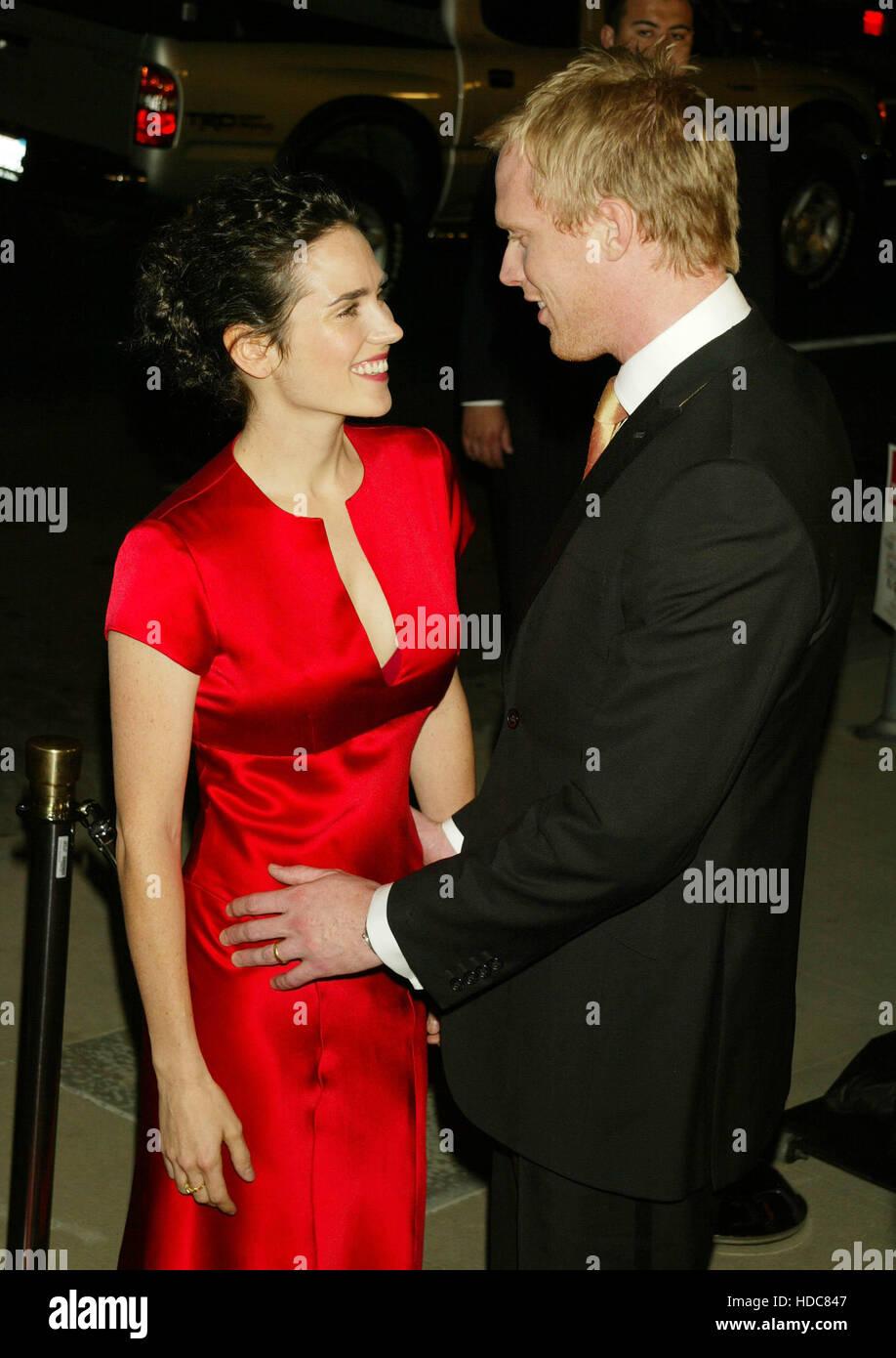 Jennifer Connelly y su marido Paul Bettany en la proyección de la película 'Master y Comandante: El Imagen De Stock