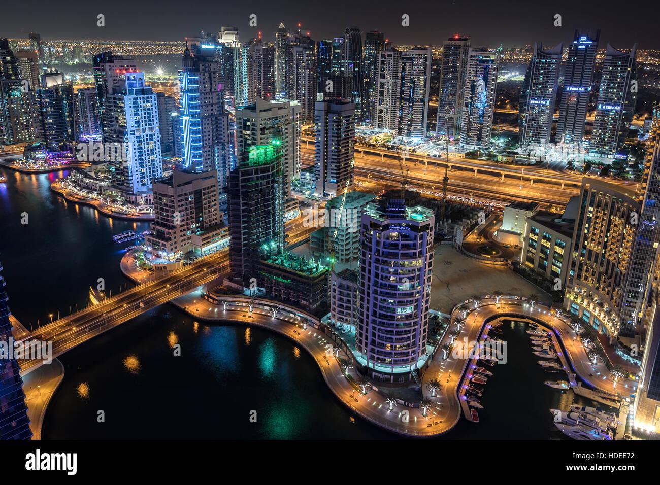 Puerto deportivo de Dubai en los Emiratos Árabes Unidos Foto de stock