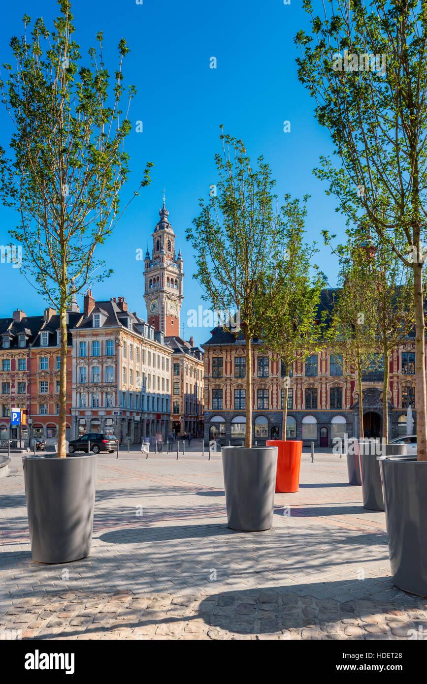 Plaza en el centro de la ciudad de Lille, Francia Imagen De Stock