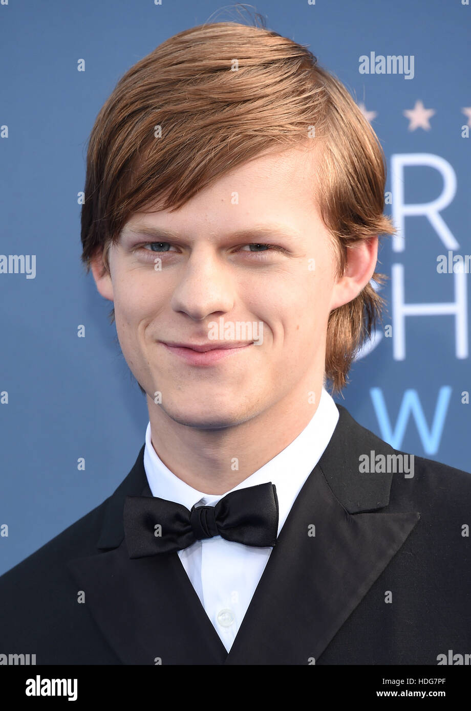 Santa Monica, California, USA. 11 dic, 2016. Lucas Hedges llega por la 22ª Anual de Critics' Choice Awards Imagen De Stock