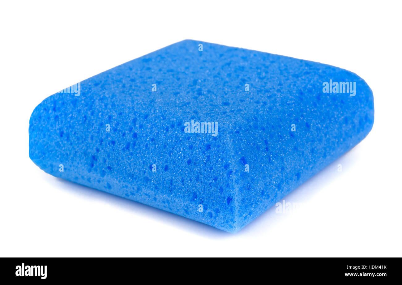 Esponja azul aislado sobre fondo blanco. Imagen De Stock