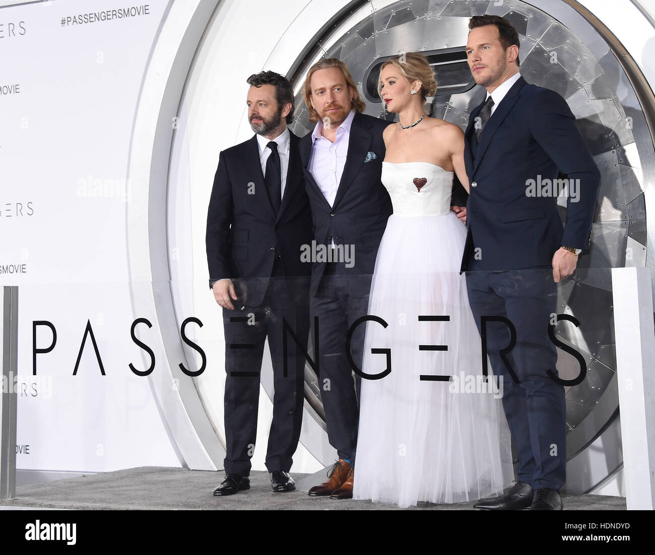 Westwood, California, USA. 14 de diciembre, 2016. Michael Sheen, Morten Tyldum, Jennifer Lawrence y Chris Pratt Imagen De Stock