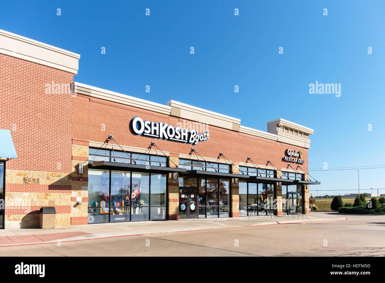El exterior de un OshKosh B'gosh ropa infantil tienda ubicada Memorial Rd., Oklahoma City, Oklahoma, Estados Imagen De Stock