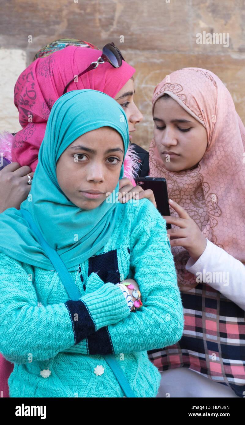Las colegialas sobre una excursión a la Ciudadela de El Cairo, El Cairo, Egipto Imagen De Stock