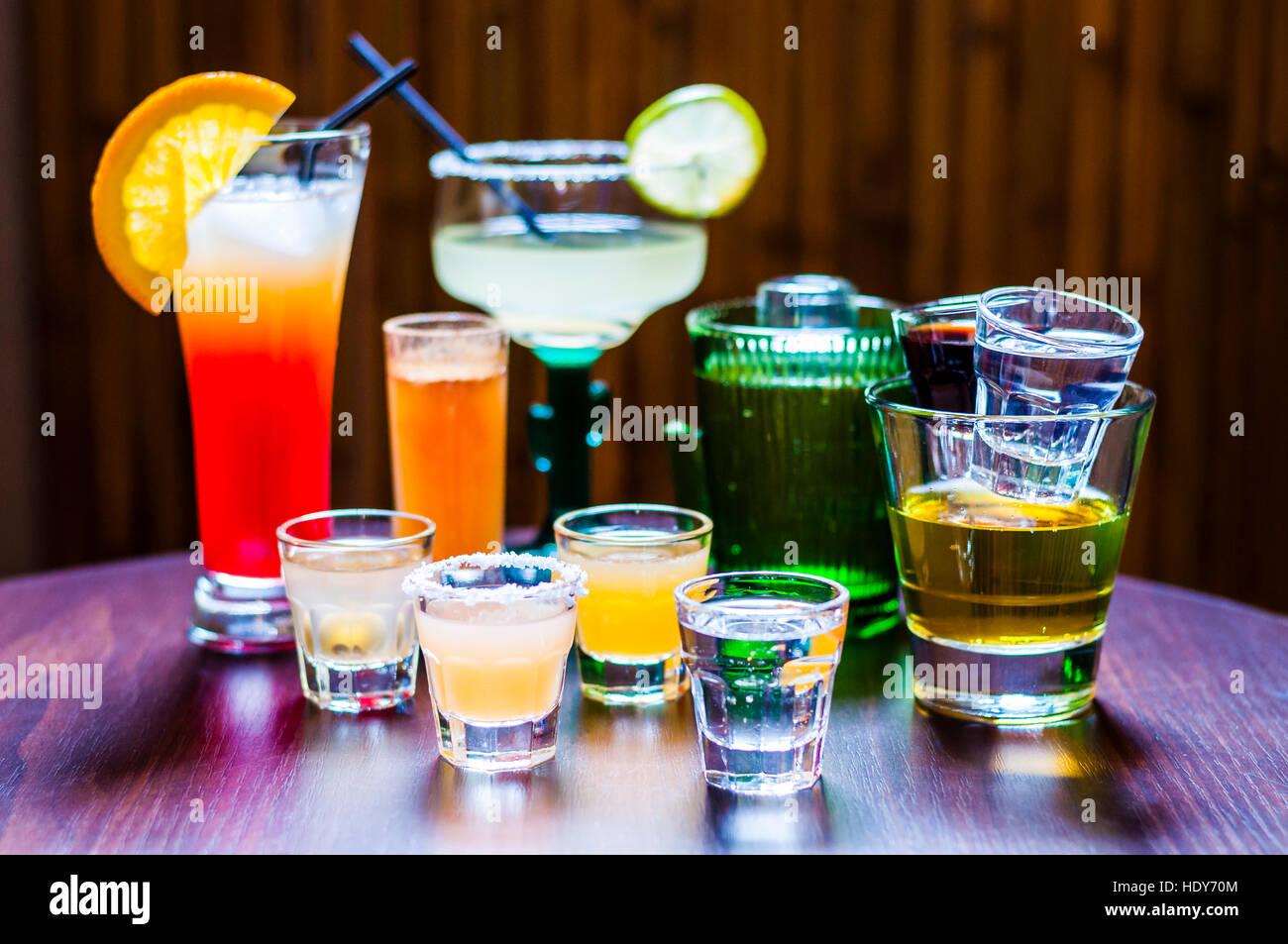 Conjunto de diversos cócteles de Tequila Foto de stock