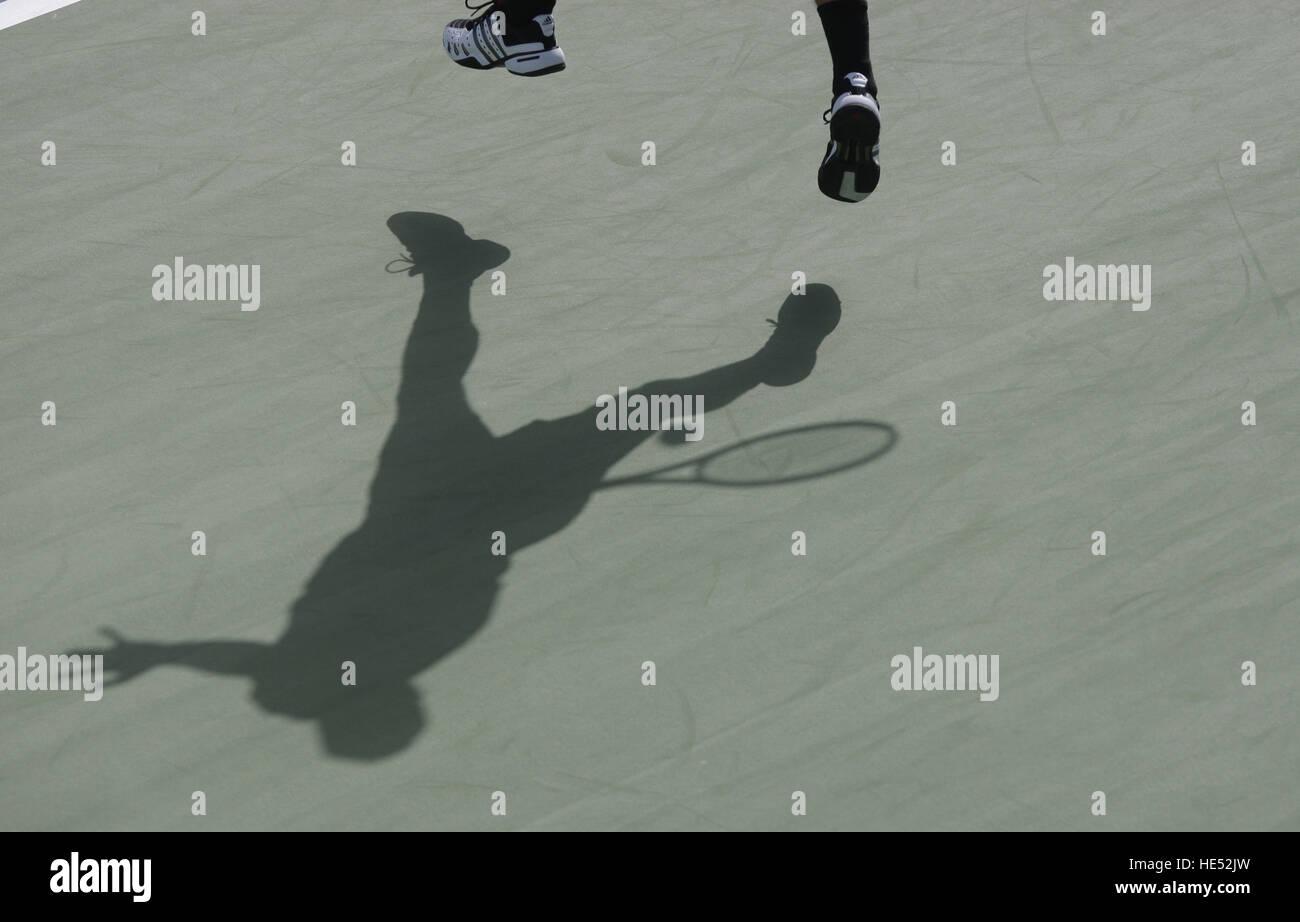 Shoe Shadow Imágenes De Stock   Shoe Shadow Fotos De Stock - Alamy a2747f743d66