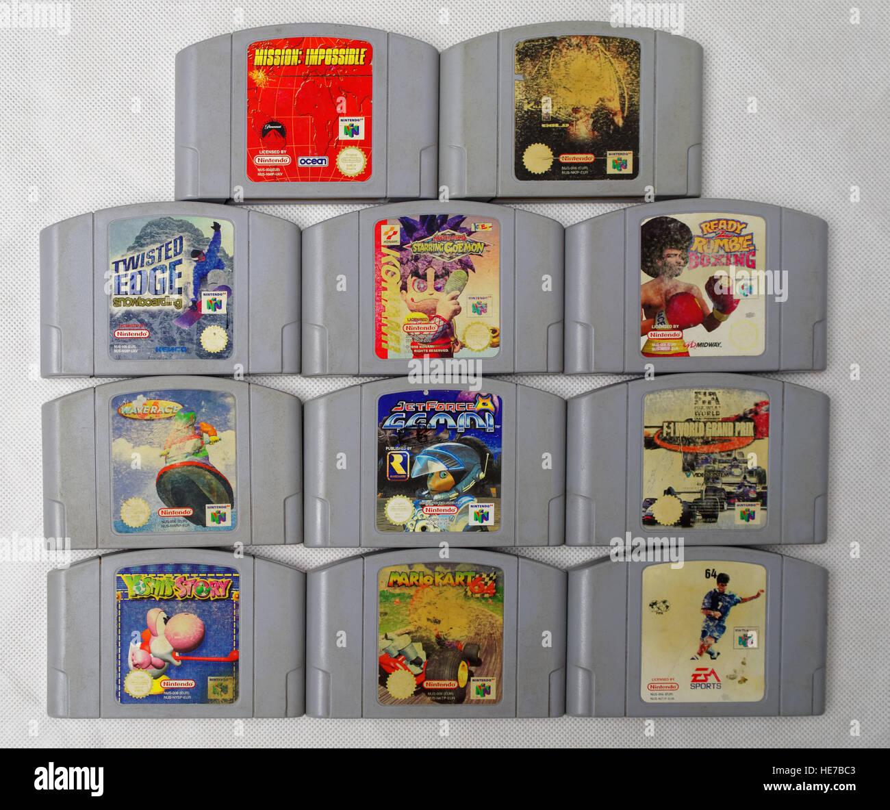 Los Cartuchos Para La Vieja Consola De Juegos Nintendo 64 Foto