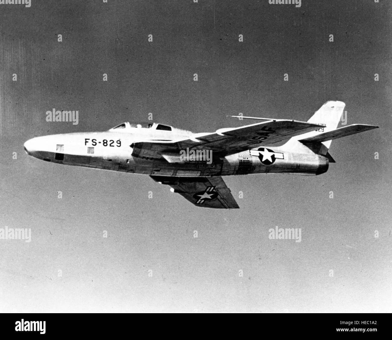 Imágenes numeradas - Página 17 El-f-84-thunderjet-la-usaf-del-primer-combate-de-post-guerra-realizo-su-primer-vuelo-el-26-de-febrero-de-1946-comenzo-a-rodar-a-las-lineas-de-produccion-en-junio-de-1947-y-en-el-momento-en-que-ceso-la-produccion-en-1953-aproximadamente-4450-straight-wing-f-84s-en-contraste-con-el-ala-barrida-f-84f-ha-sido-construido-durante-su-vida-util-el-f-84-se-convirtio-en-el-primer-avion-de-combate-de-la-usaf-capaces-de-portar-un-arma-atomica-tactica-el-avion-logro-su-mayor-notoriedad-durante-el-conflicto-de-corea-donde-se-utilizaba-principalmente-para-misiones-de-interdiccion-de-bajo-nivel-casi-a-diario-los-f-84-atacaron-enemigo-ferrocarriles-puentes-su-hec1a2