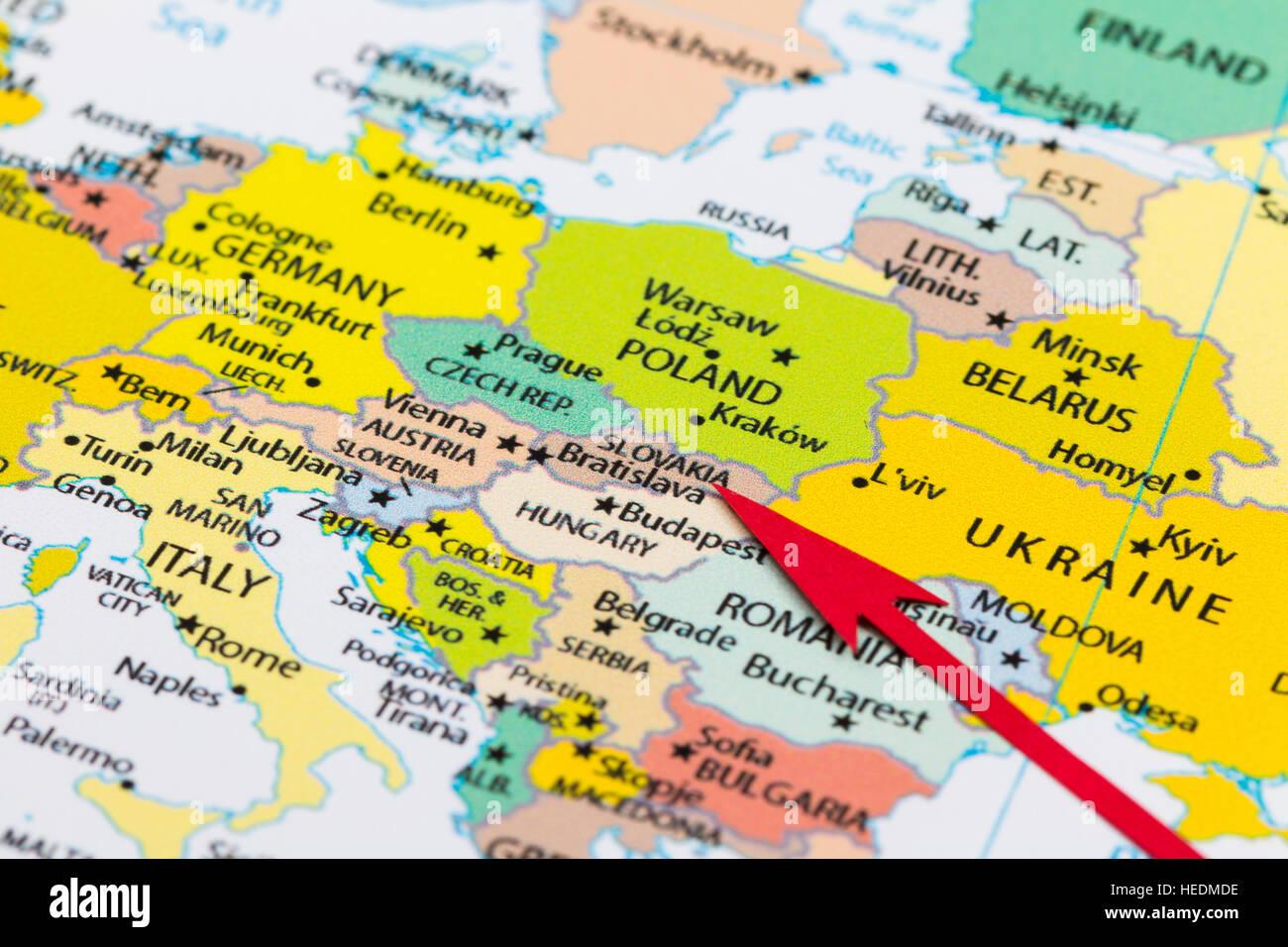 Flecha Roja Que Apunta A Eslovaquia En El Mapa De Europa