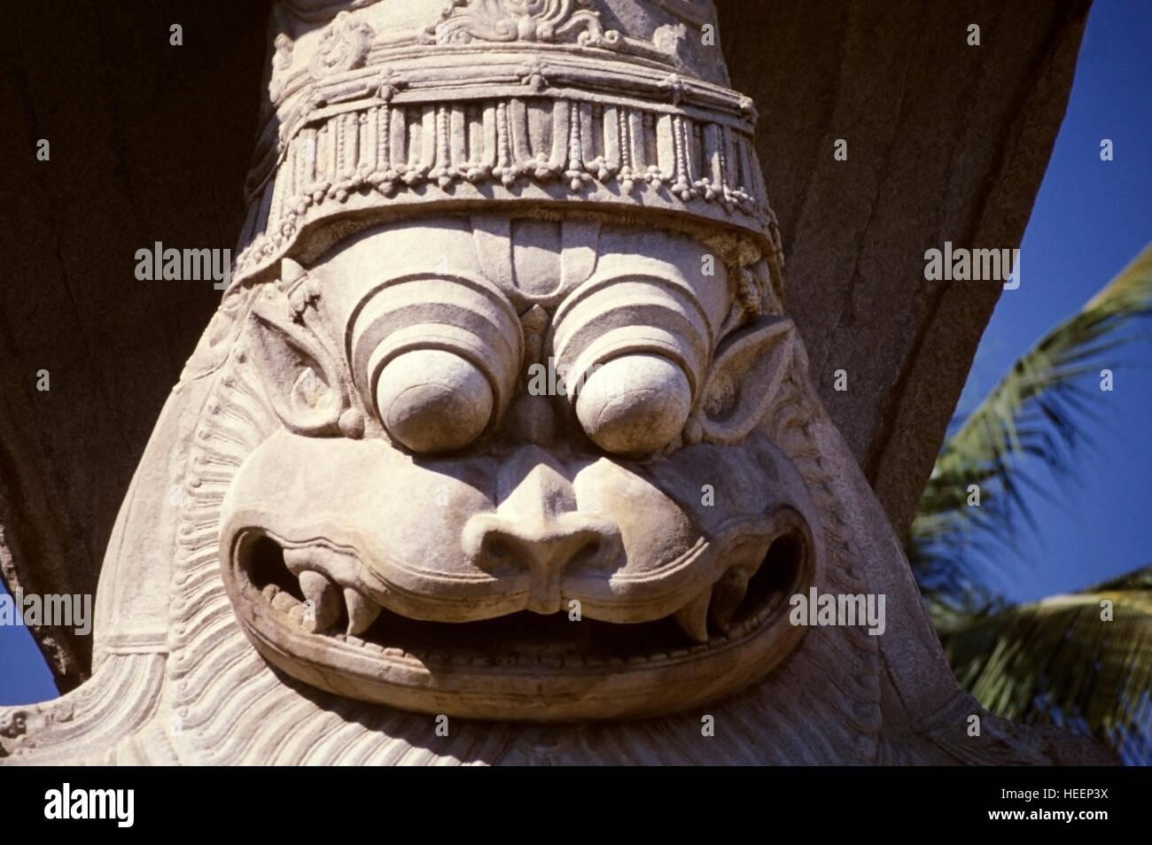 Narsimha idol en Hampi, Vijaynagar, Karnataka, India Foto de stock