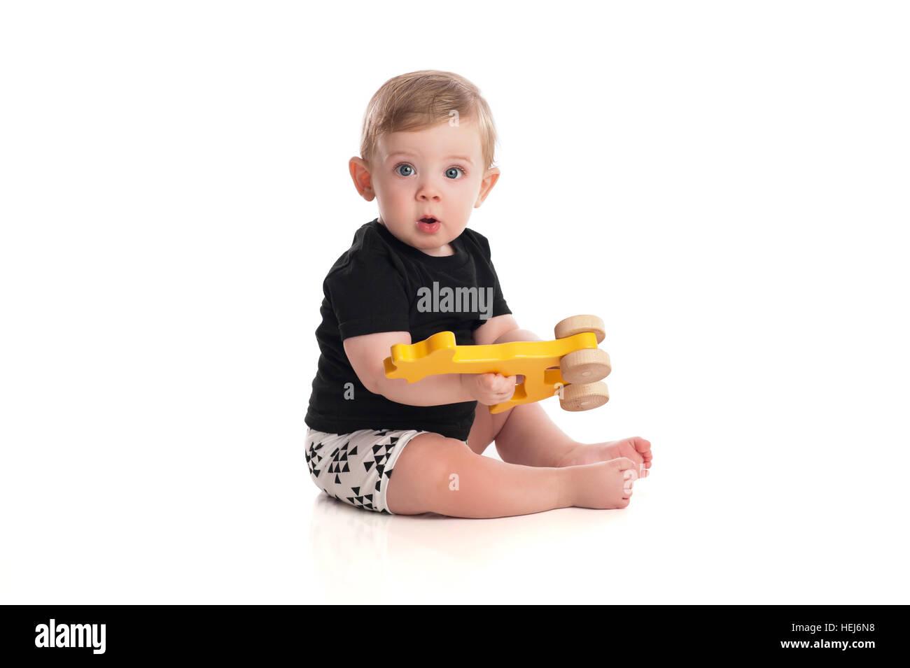 Juguetes Bebe De 8 Meses.Un Bebe De 8 Meses Nino Jugando Con Un Juguete De Madera