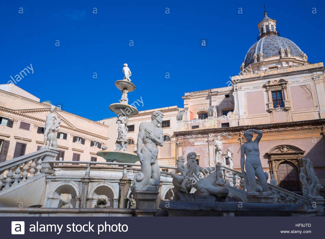 La Piazza Pretoria, Palermo, Sicilia, Italia, Europa Foto de stock