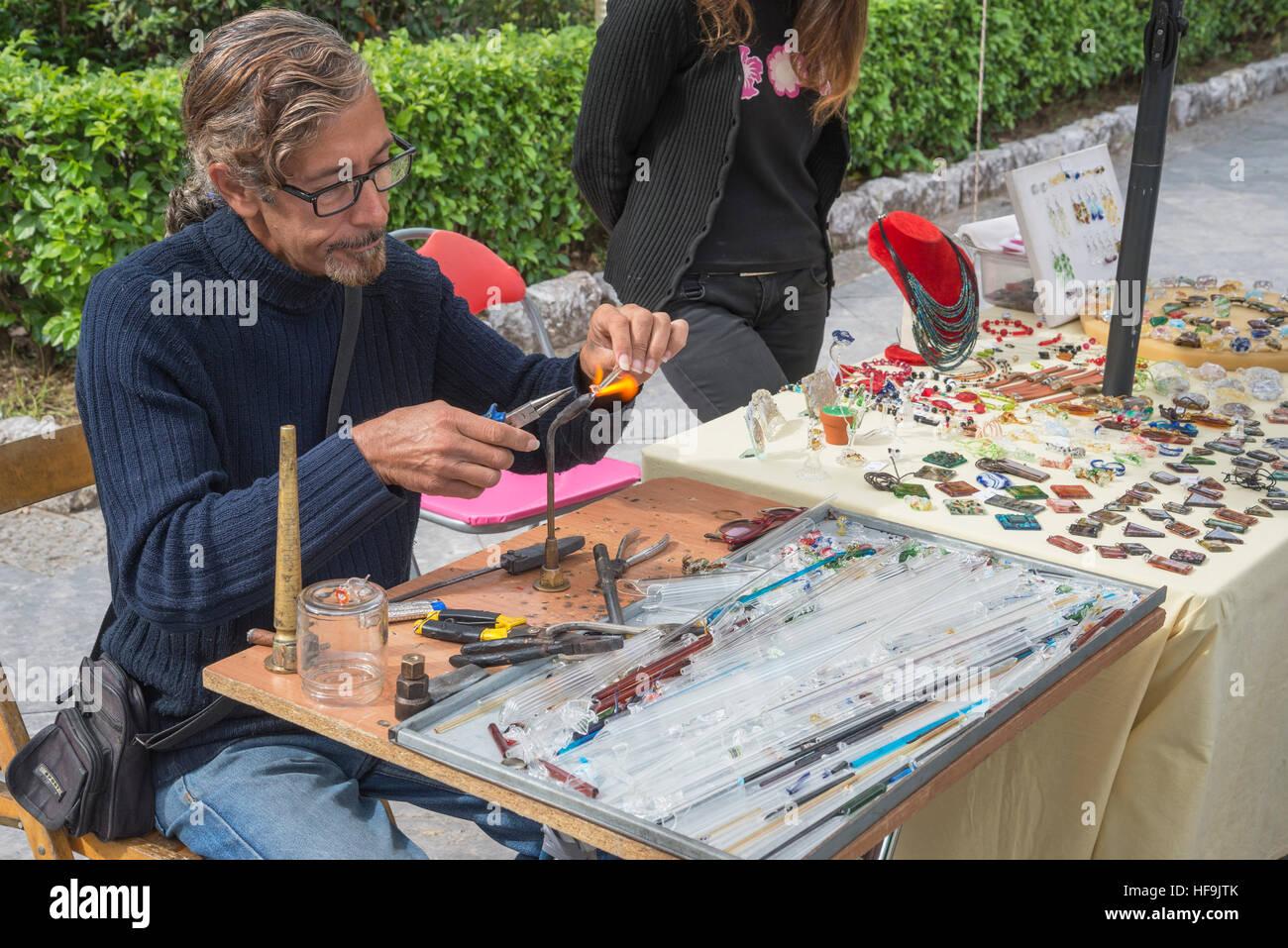Cordón de decisiones y joyería de vidrio, Palermo, Sicilia, Italia, Europa Imagen De Stock