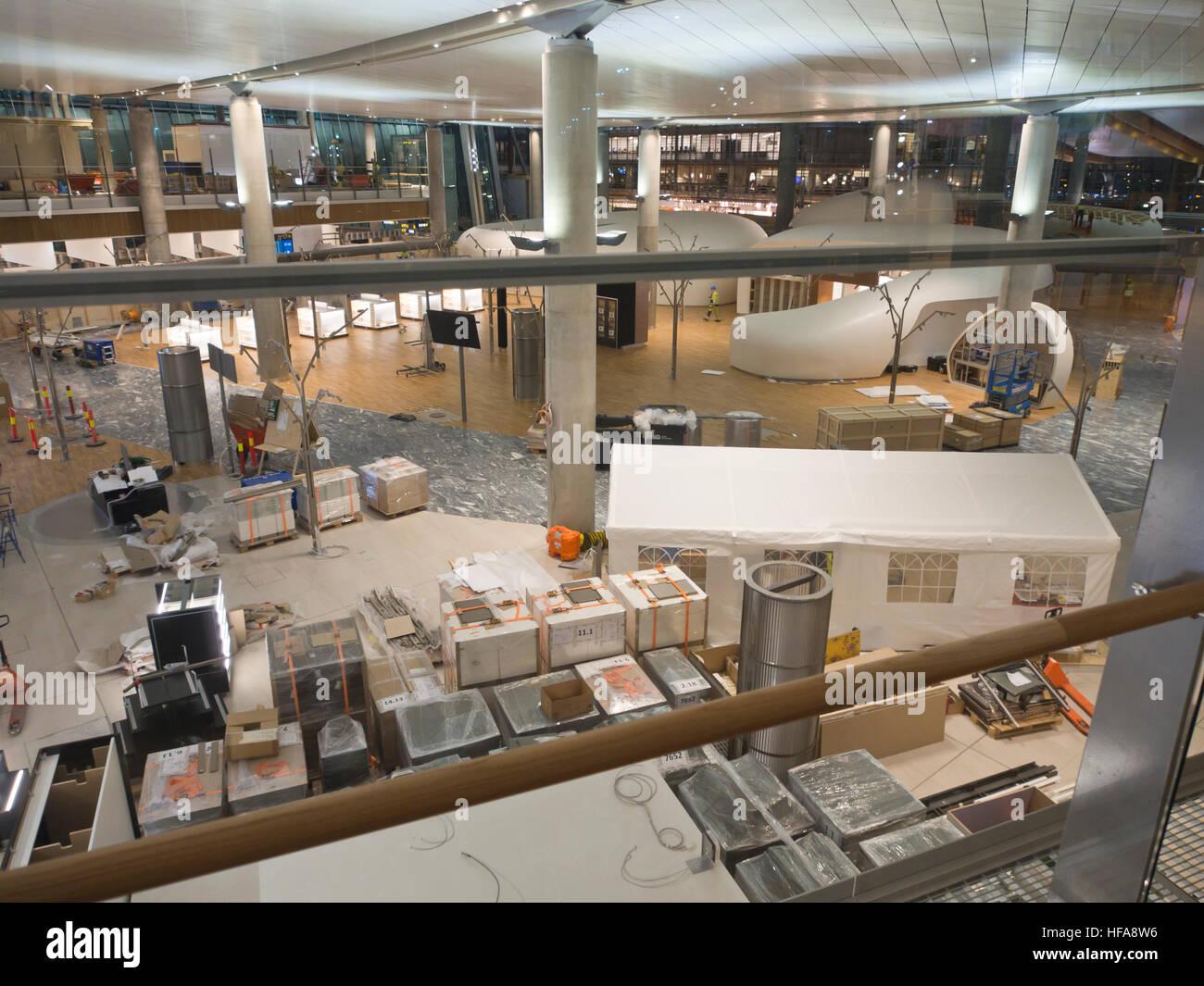 El Aeropuerto de Oslo, Noruega, la apertura de la tienda duty free en la nueva zona de salida 2016 Imagen De Stock