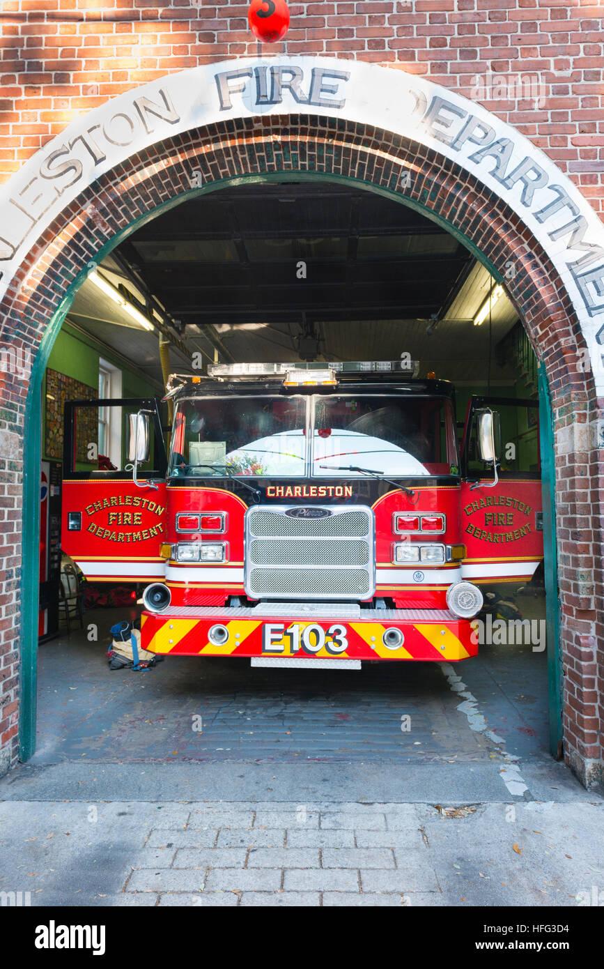 Ee.Uu. del Departamento de Bomberos de Charleston Carolina del Sur estación Pierce motor carretilla aparato Imagen De Stock