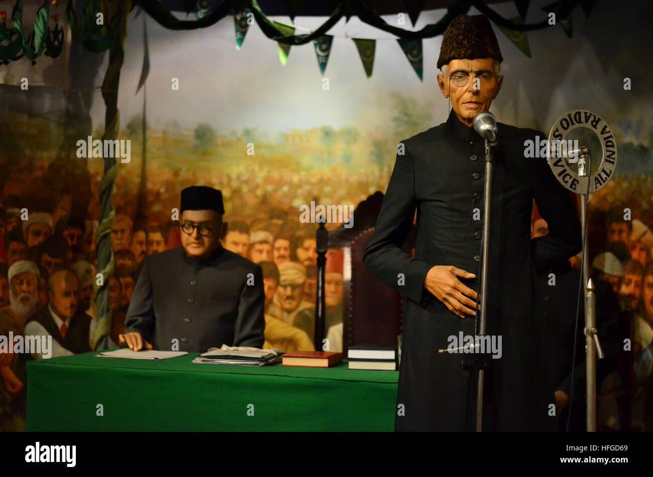Quaid-e-Azam dirección a personas en 1940 dando la resolución de Lahore Foto de stock