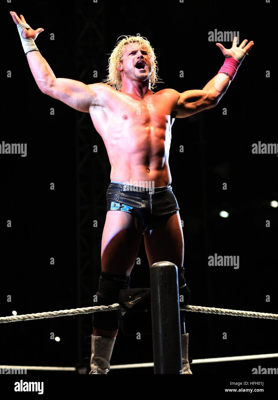 DURBAN, SUDÁFRICA - Agosto 01: Dolph Ziggler durante el WWE World Tour 2013 en Westridge Park Stadium el 01 de agosto Foto de stock