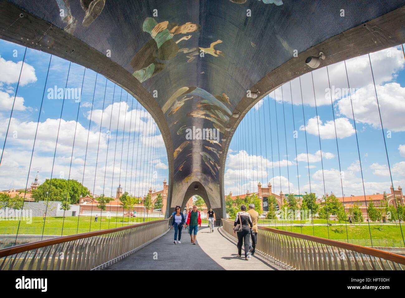 Puente de matadero. Madrid Rio Park, Madrid, España. Foto de stock