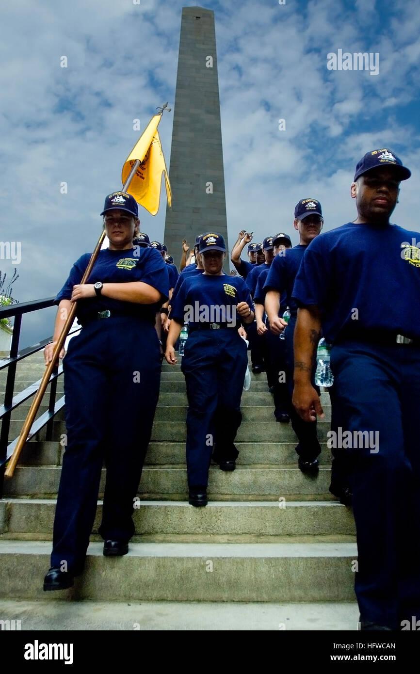 080819-N-0167W-013 de Charlestown, Massachusetts (Ago. 19, 2008) ciento cincuenta nuevo jefe oficial pequeño Imagen De Stock