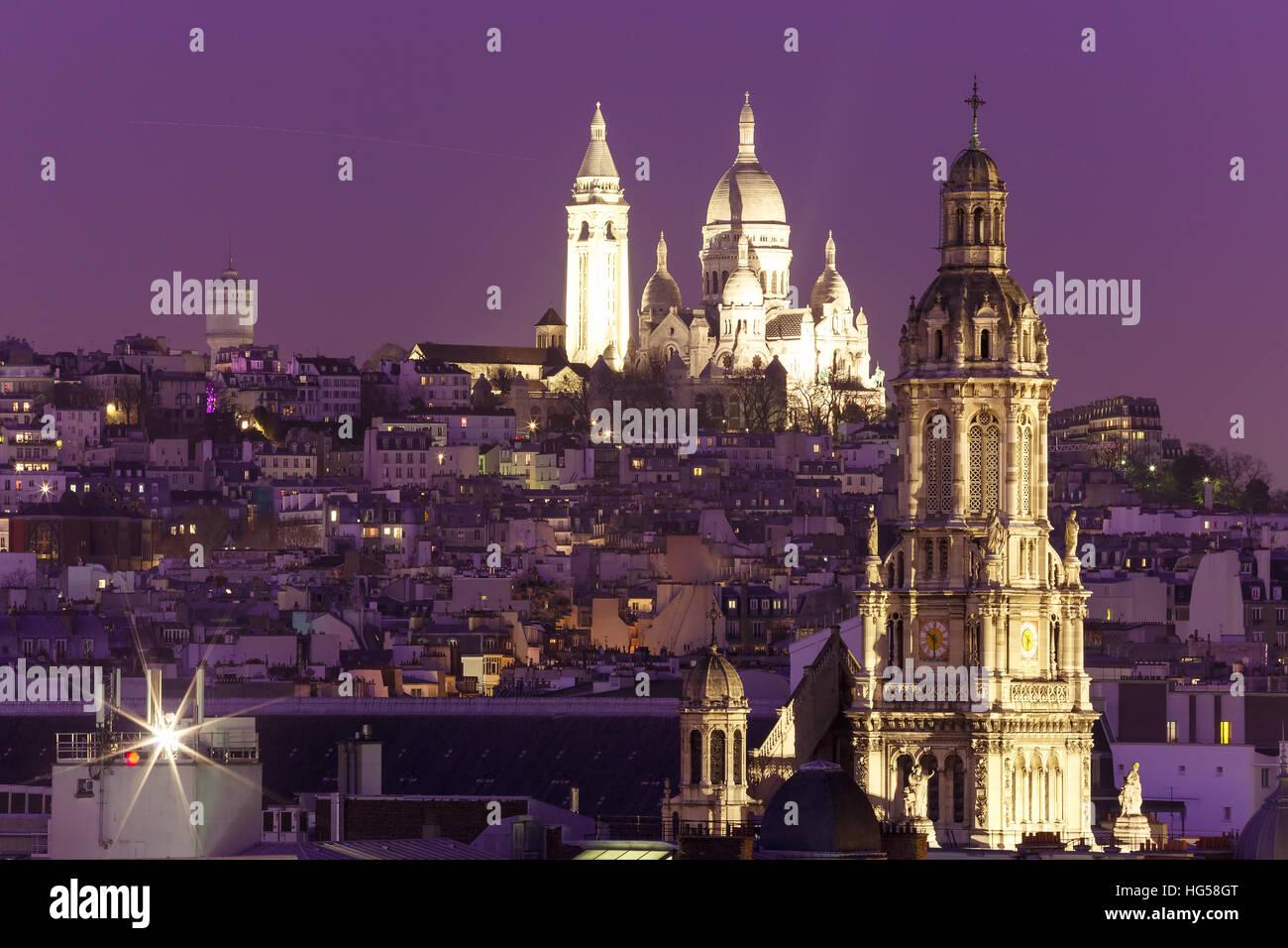 Basílica Sacre-Coeur de noche en París, Fraance Foto de stock