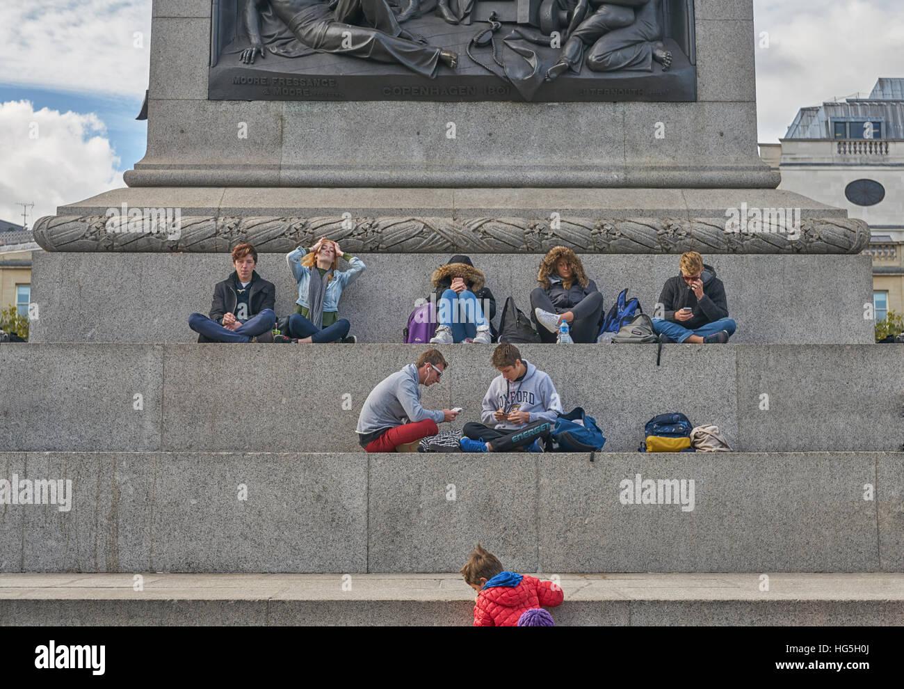 Los estudiantes de la escuela de Londres. Escuela de viaje a Londres. Imagen De Stock
