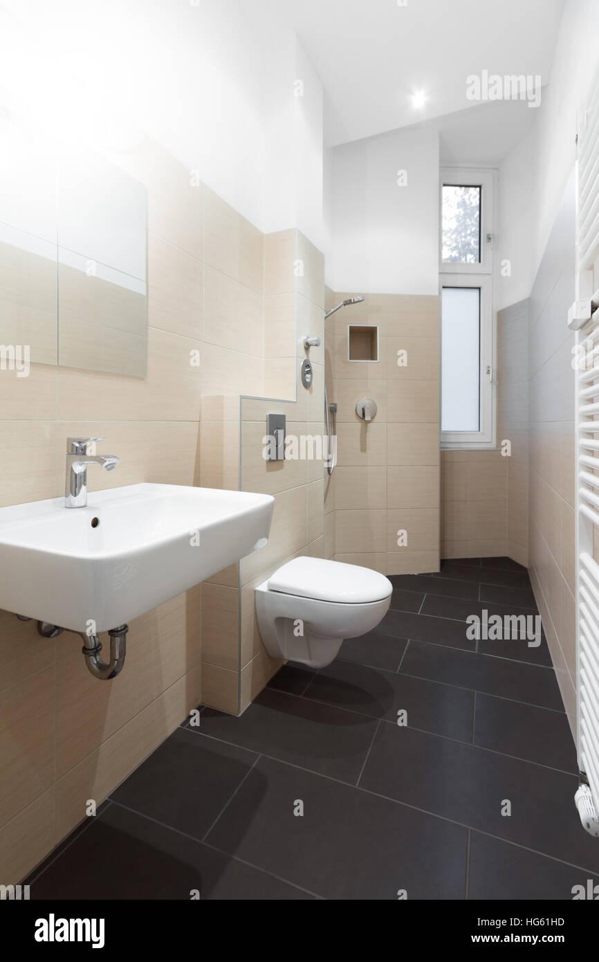 Moderno cuarto de baño - ducha moderna en mosaico Foto & Imagen De ...