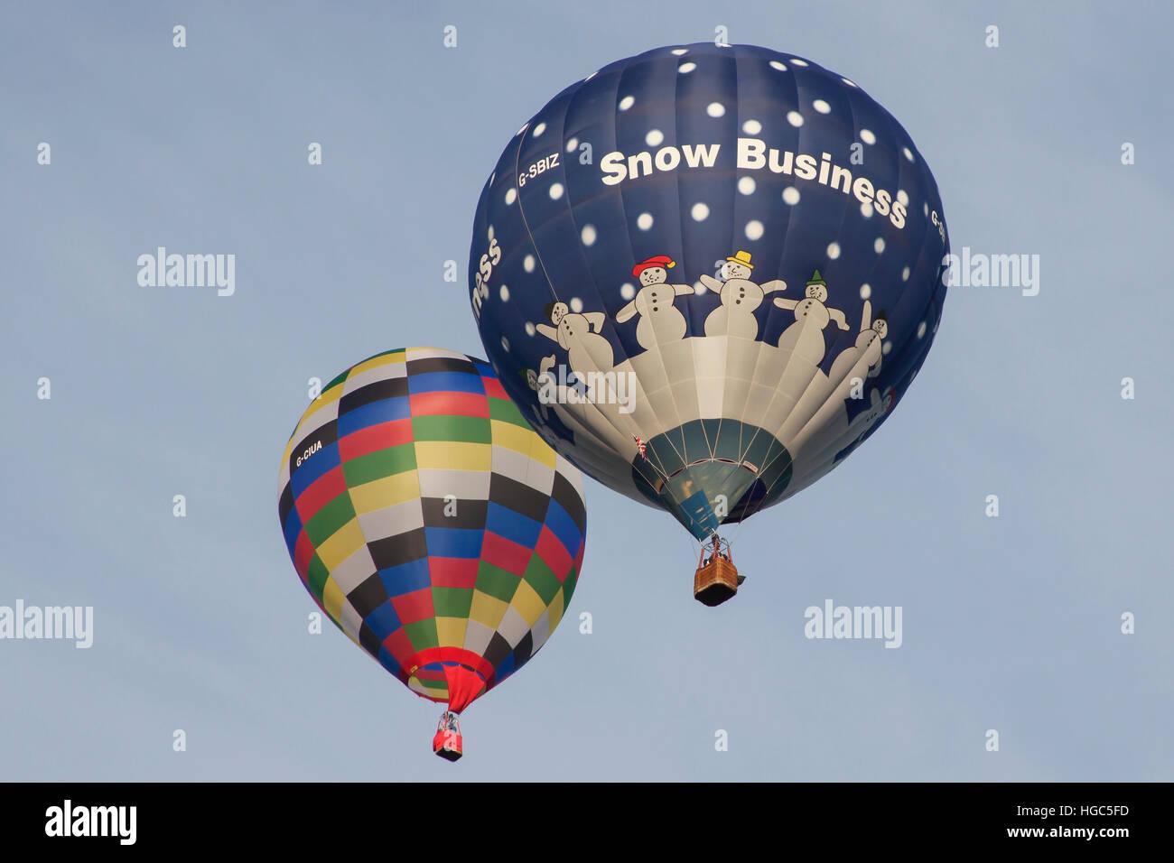 G-SBIZ Cameron en globo de aire caliente de nieve Business en la Bristol International Balloon Fiesta 2016 Foto de stock