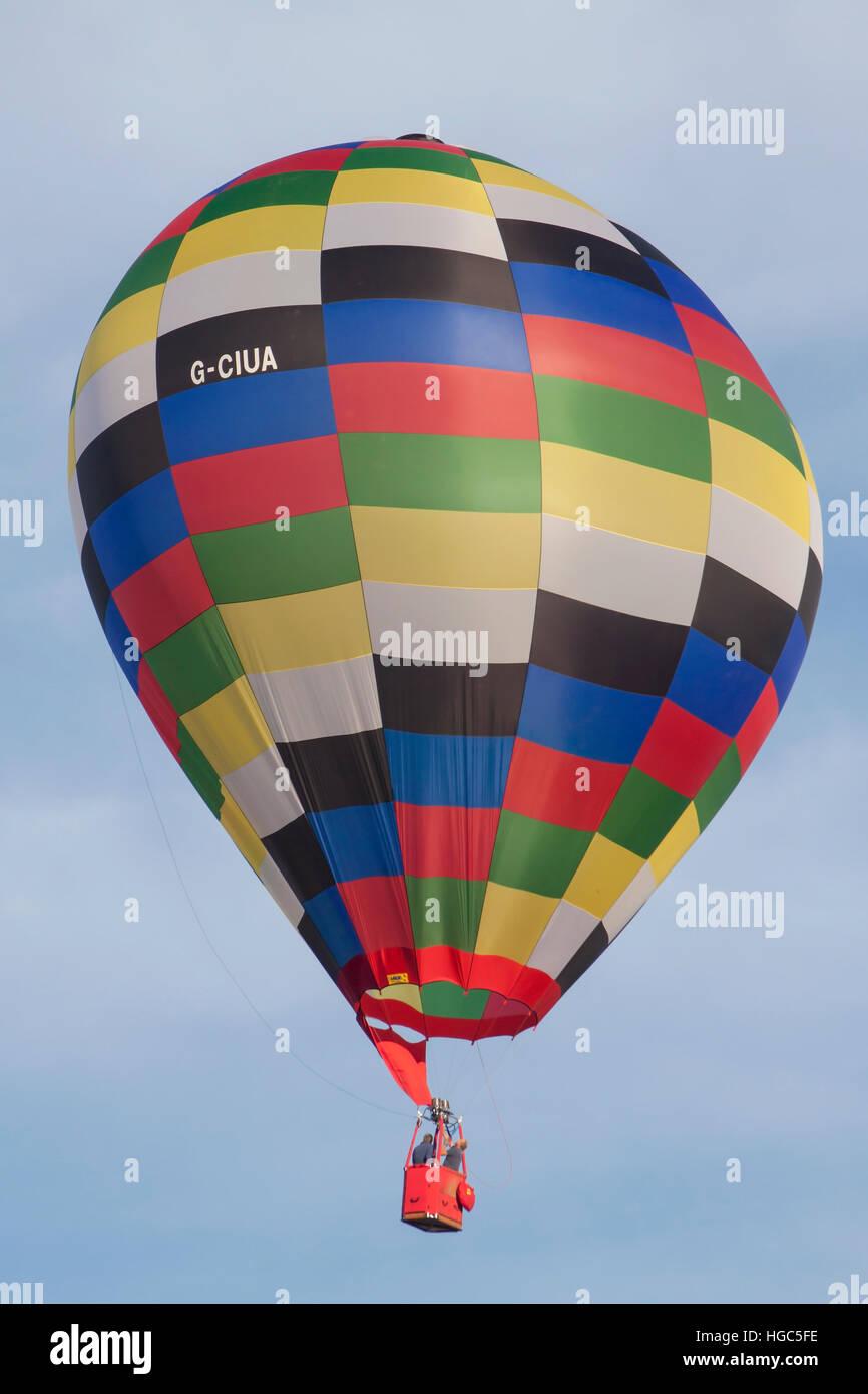 G-CIUA Ultramagic en globo de aire caliente en la Bristol International Balloon Fiesta 2016 Foto de stock