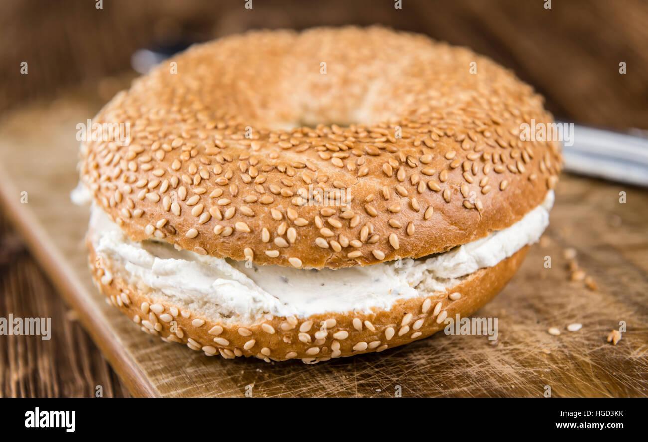 Queso crema recién hechas Bagel (enfoque selectivo; primerísimos) Imagen De Stock