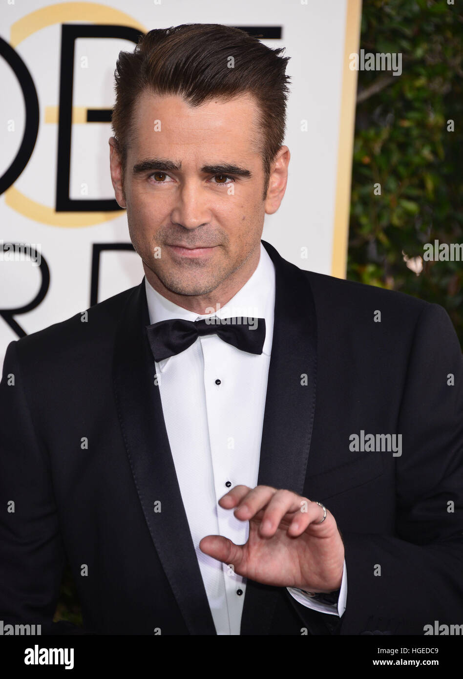 Los Angeles, California, EEUU. 08 ene, 2017. Colin Farrell 099 llega a la 74ª Anual de los Golden Globe Awards Imagen De Stock