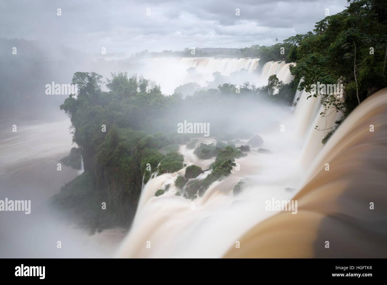 Cataratas del Iguazú, Parque Nacional Iguazú, provincia de Misiones, en el Nordeste, Argentina, Sudamérica Foto de stock