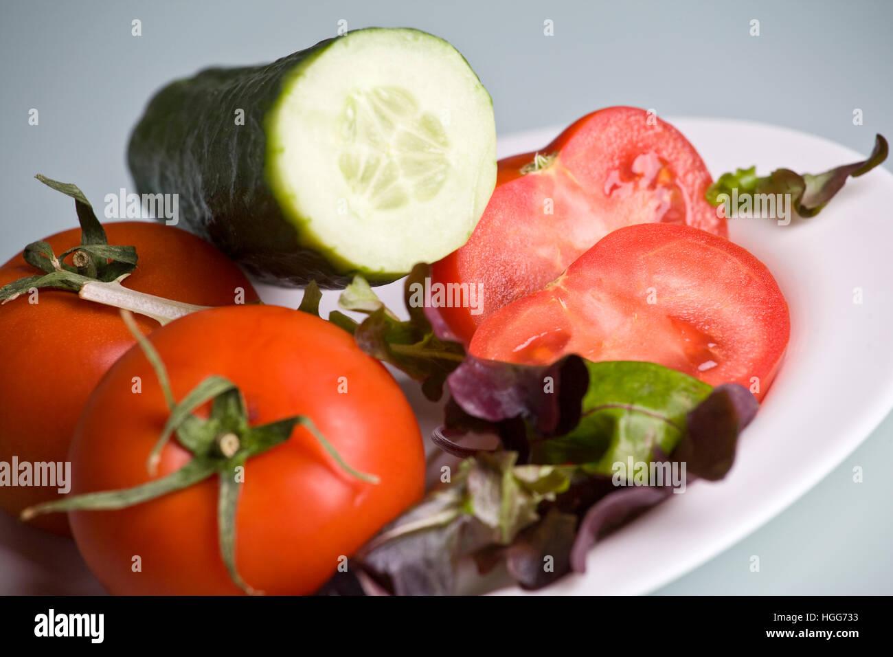 Ensalada de tomate y pepino Imagen De Stock