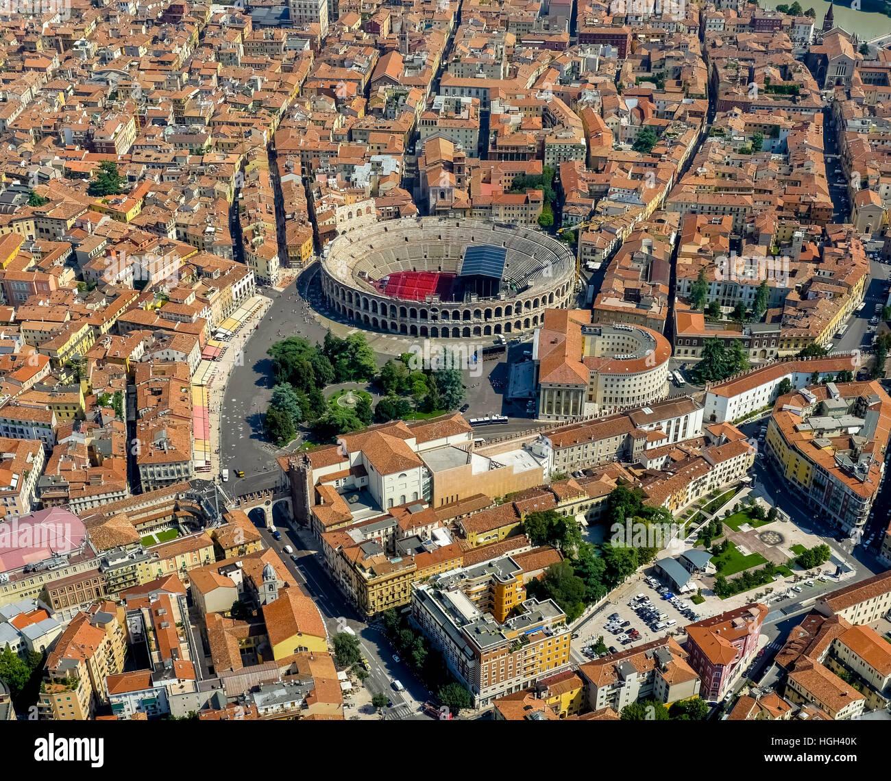 Vista de la ciudad, el centro de la ciudad con Arena di Verona, provincia de Verona, Véneto, Italia Imagen De Stock