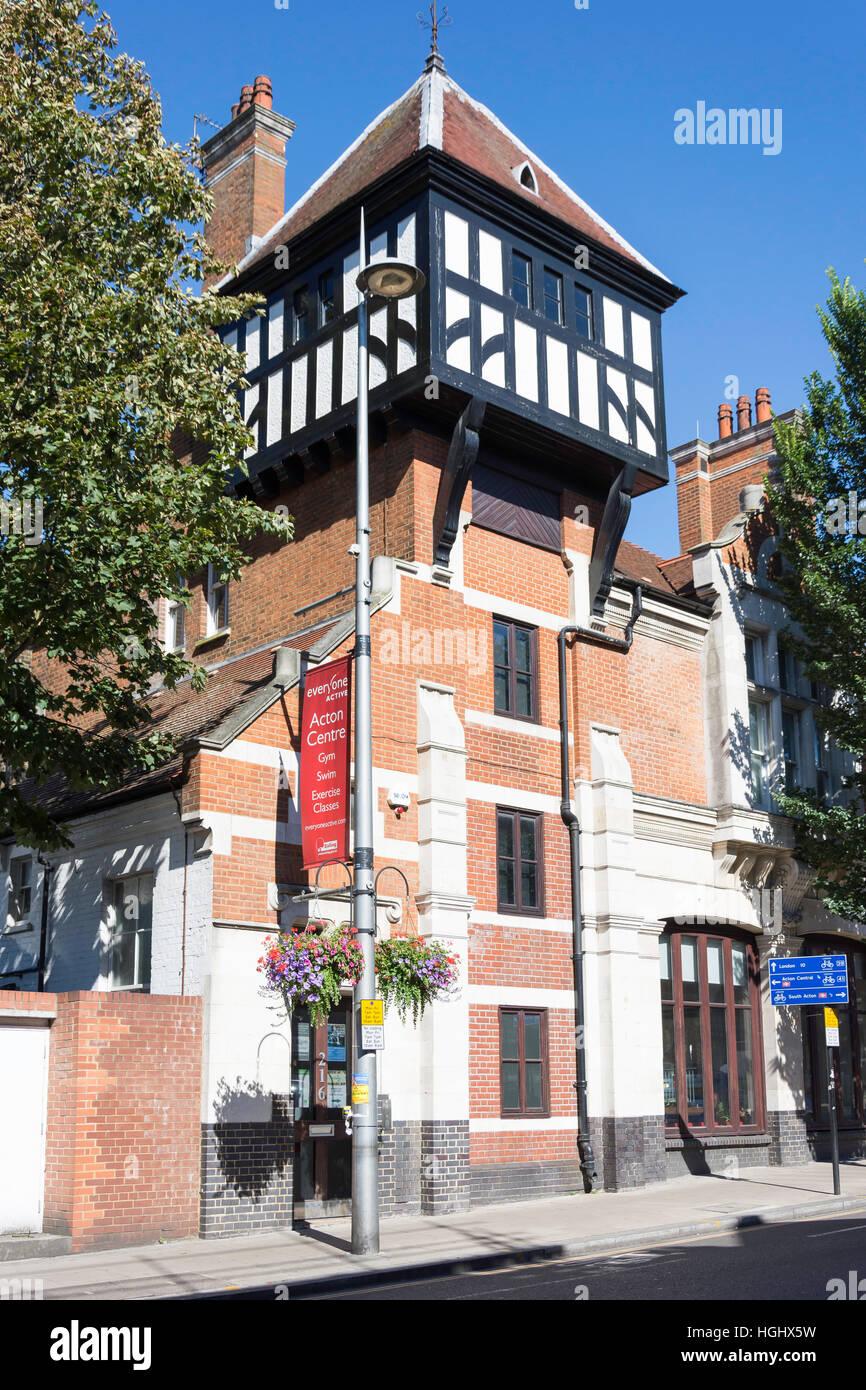 Comunión Anglicana edificio Roble, Acton High Street, Acton, London Borough of Ealing, Greater London, England, Imagen De Stock