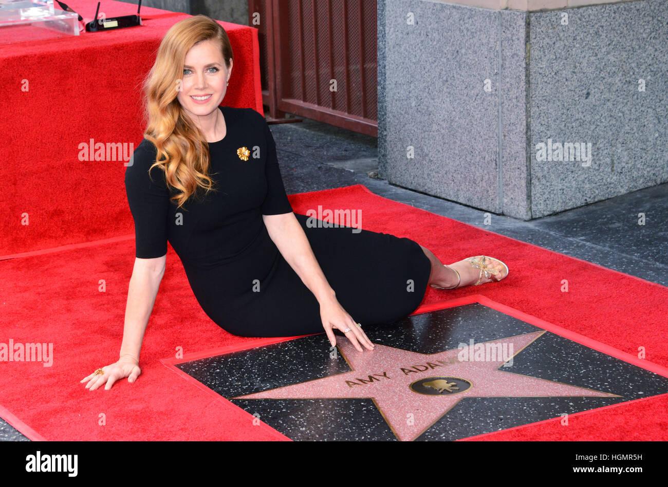 Los Angeles, Estados Unidos. 11 Jan, 2017._ Amy Adams Star 005 Amy Adams fue honrado con una estrella en el Paseo Foto de stock