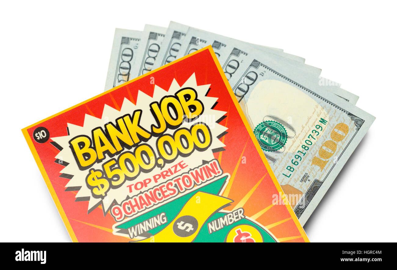 Raspe de lotería ganador y efectivo aislado sobre fondo blanco. Foto de stock
