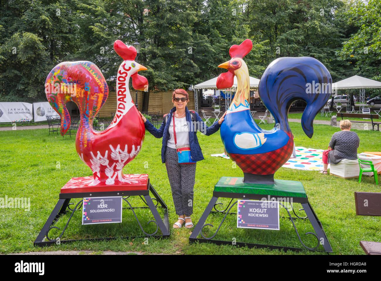 Polonia, Pomerania, Gdansk (Danzig), Gallo escultura exposición durante la anual Feria de San Dominico Kobzdej Imagen De Stock