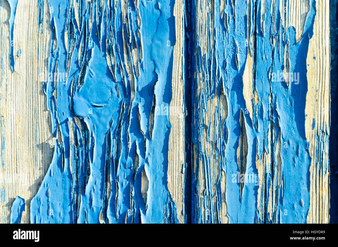 Hay pintura que pela en puerta de madera desgastada Imagen De Stock