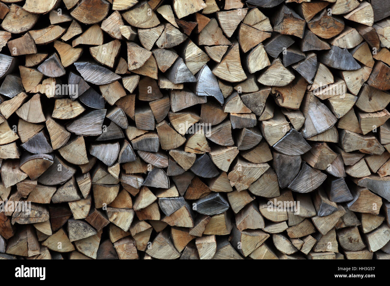 Brennholz Kaminholz Feuerholz gespalten Foto de stock