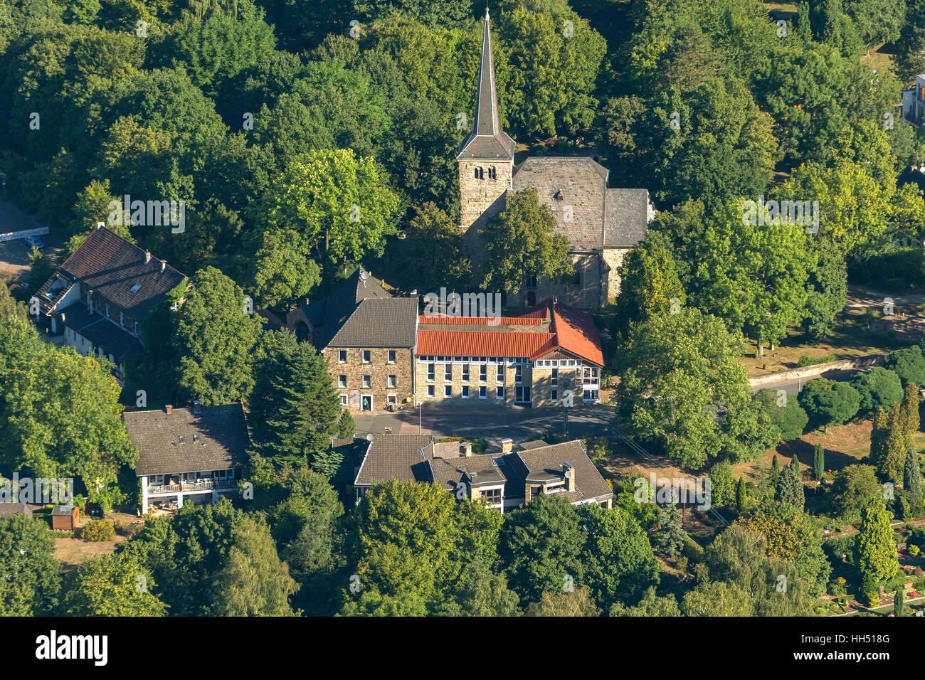 La iglesia del pueblo Stiepeler, 1000 años, Bochum, área de Ruhr, Alemania, Europa, pájaro-ojos vista, fotografía aérea, fotografía aérea Foto de stock