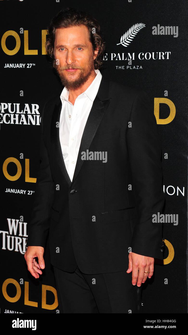 """La Ciudad de Nueva York, EE.UU.. 17 de enero de 2017. Matthew McConaughey visto en el estreno mundial de """"Oro"""" Imagen De Stock"""