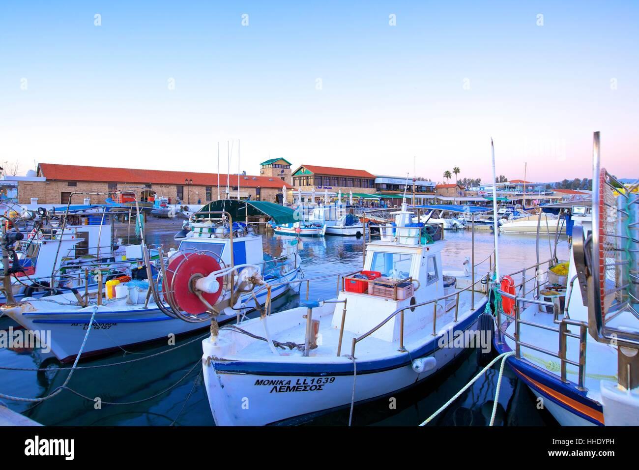 Puerto de Paphos, Paphos, Chipre, Mediterráneo Oriental Foto de stock