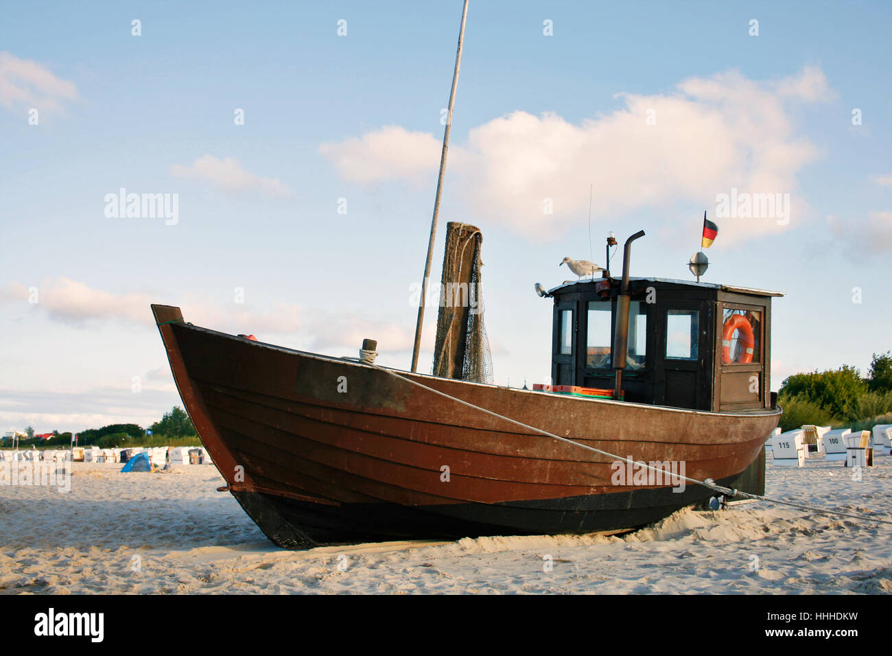 La playa, el paseo marítimo, la playa, el mar, el agua, el agua salada del mar Báltico, mar, océano, Foto de stock