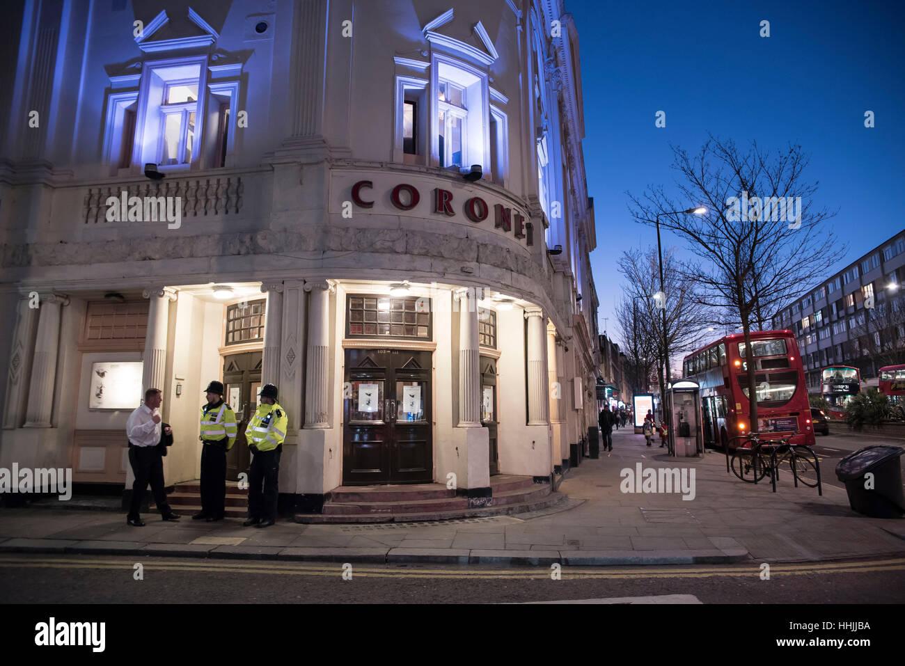 Londres, Reino Unido. 19 ene, 2017. Protesta fuera de Notting Hill's Coronet Theatre. Los manifestantes han acusado Foto de stock