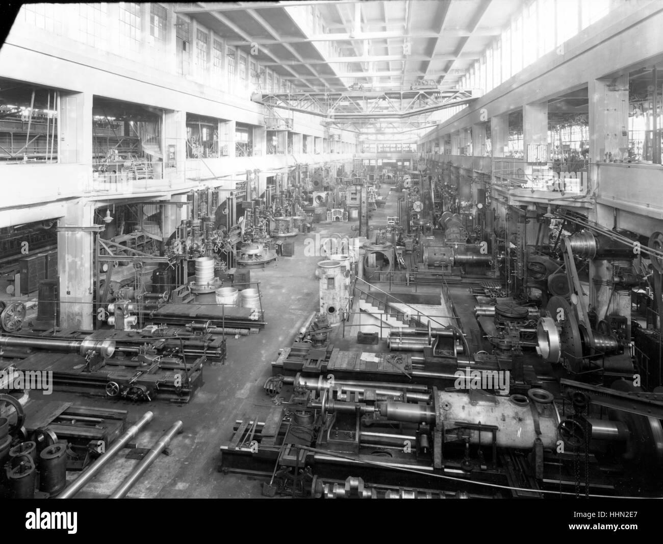 1930 - 40. Fiat - Ansaldo grandes motores en fábrica Genua, San Pier d'Arena, sanpierdarena. Imagen De Stock