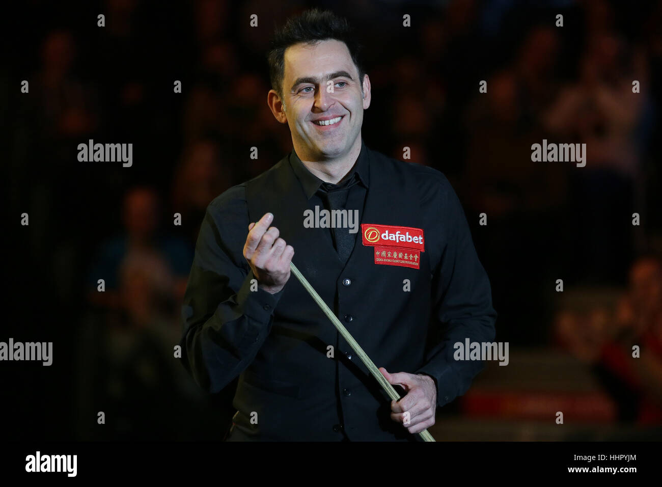 Londres, Reino Unido. 19 ene, 2017. Ronnie O'Sullivan de Inglaterra llega por quarterfinal coinciden con Neil Robertson, Foto de stock