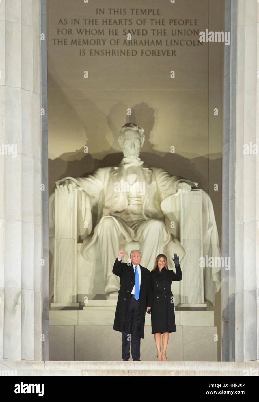 Arlington, Estados Unidos. 19 ene, 2017. El presidente electo de los Estados Unidos, Donald J. Trump y la primera Foto de stock