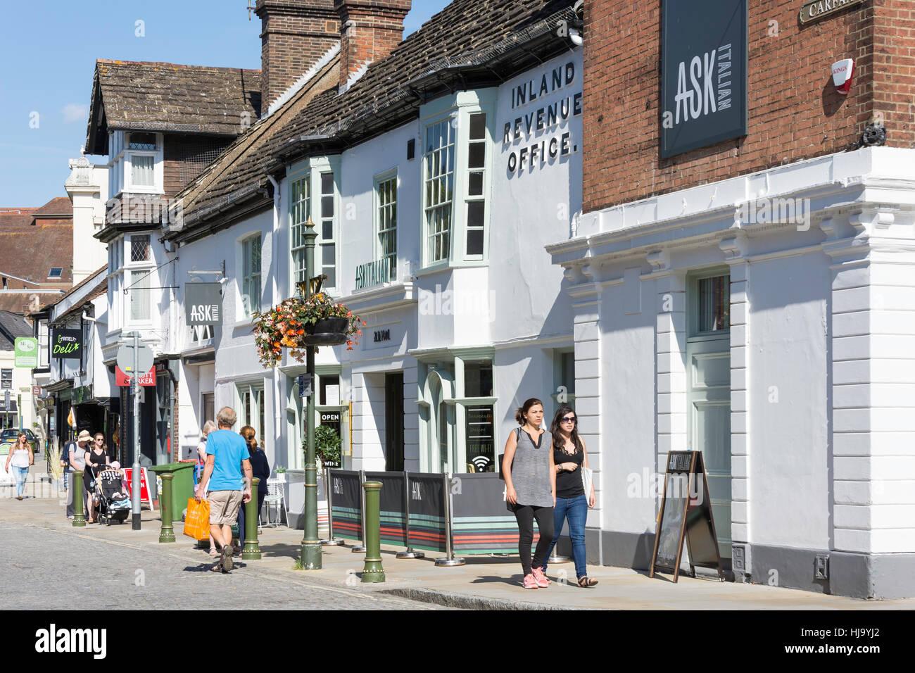 Pregunte en la antigua del siglo xv restaurante Olde Kings Head Hotel, Carfax, Horsham, West Sussex, Inglaterra, Foto de stock
